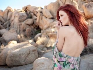 Elle Alexandra beautiful redheaded camgirl